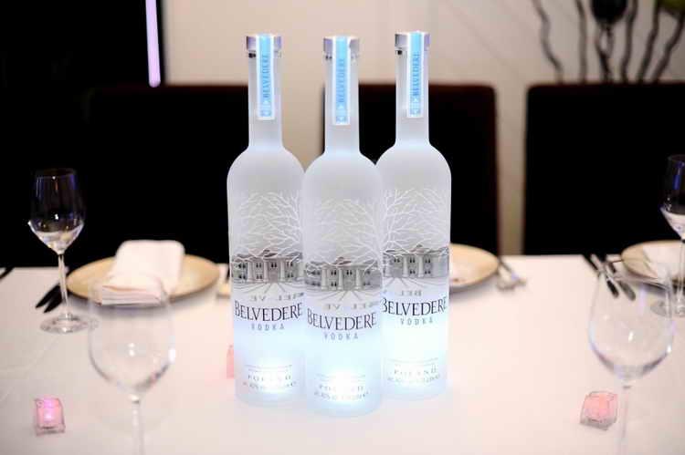 польская водка бельведер подача