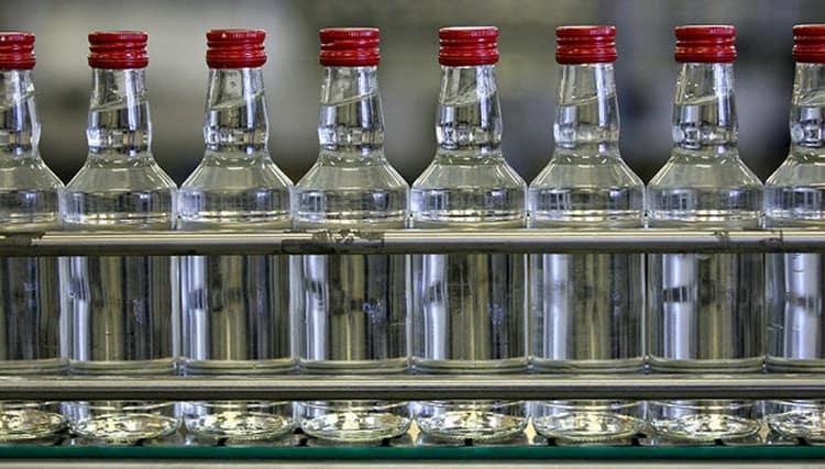 Паленая водка встречается в продаже довольно часто.