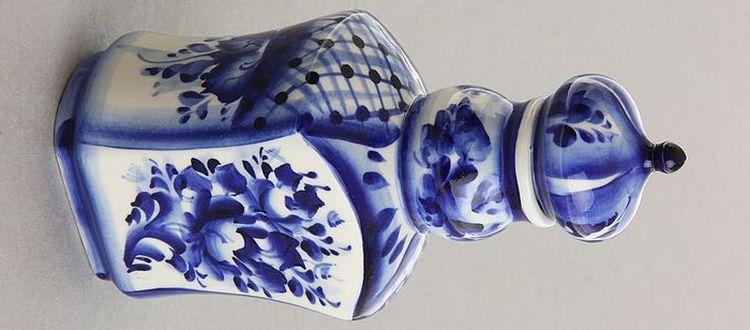 Графины для водки делают не только из стекла, но даже из керамики.